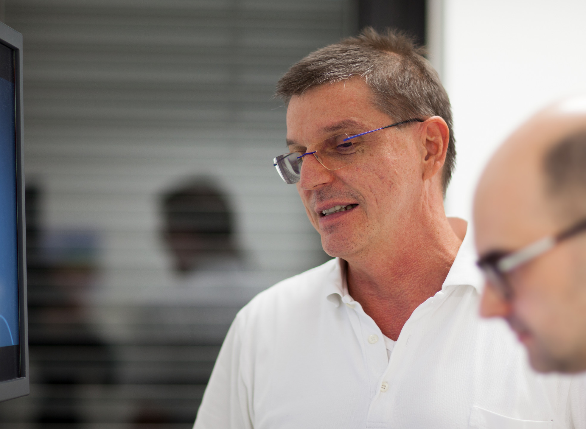 Dr. Schiek